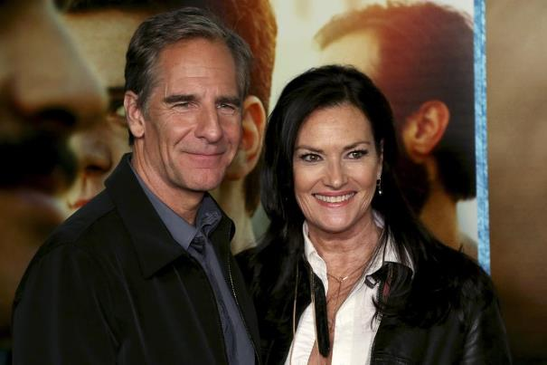 Chelsea Field's Relationship With Scott Bakula since 2009 ...