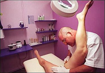 pics of naked men pissing