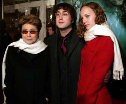 The Beatles Polska: Wieczór w rodzinnym gronie: Yoko, Sean, Bijou.
