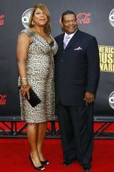 Photo of Queen Latifah & her Father  Lancelot Owens, Sr