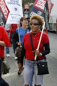 Writers Guild of America strikes to increase funding for writers from large studios, 2007-2008